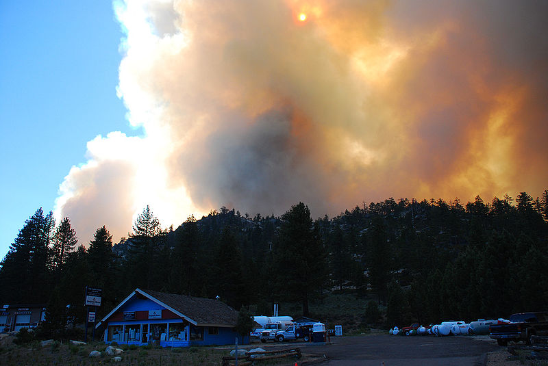 Lake Tahoe threatened by massive fire, more told to flee